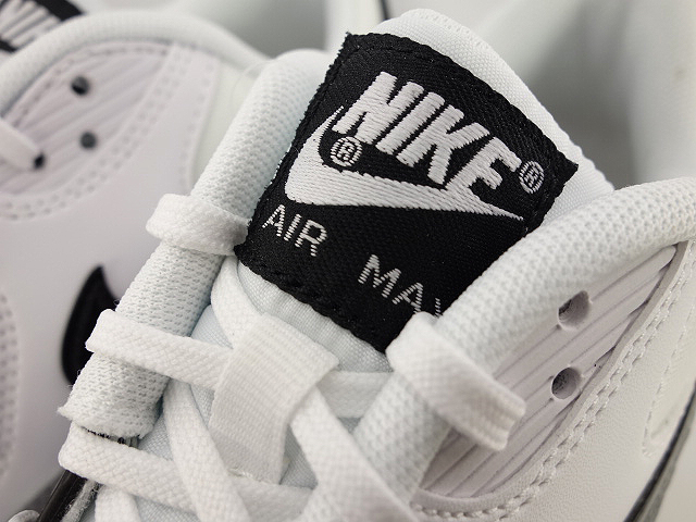 WMNS AIR MAX 90 ESSENTIALの商品画像-5