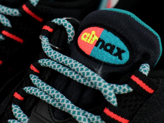 AIR MAX 95 ESSENTIALの商品画像-5